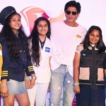 SRK interacting with children