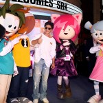 SRK with dolls