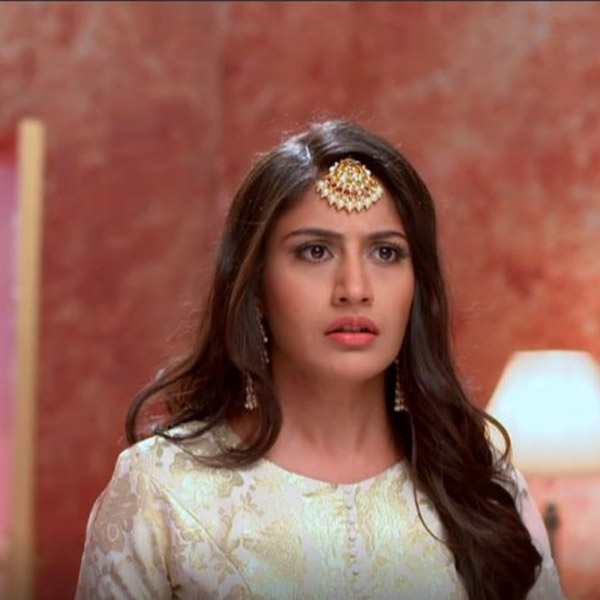 Anika is shocked to see a new girl in Ishqbaaz IB2
