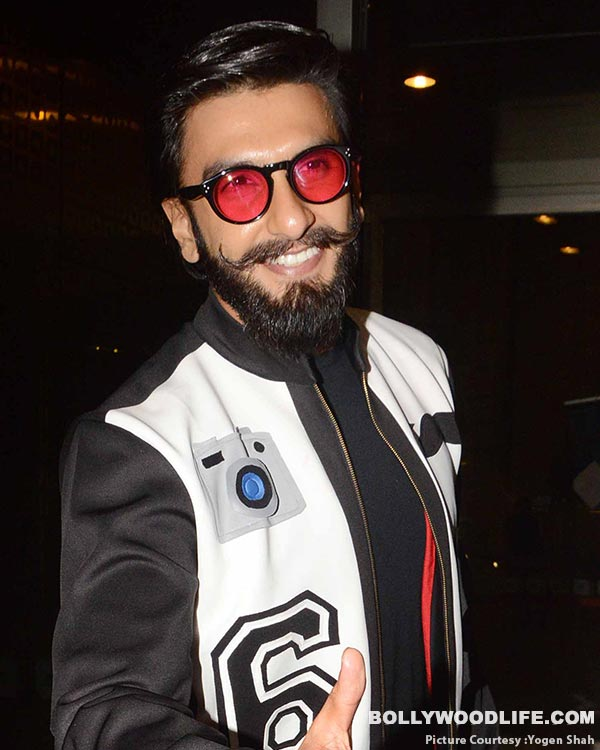 .-deepika-padukone-and-ranveer-singh-spotted-at-airport-(37)