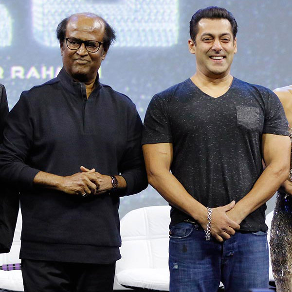 Salman's million dollar smile in this picture is adorable