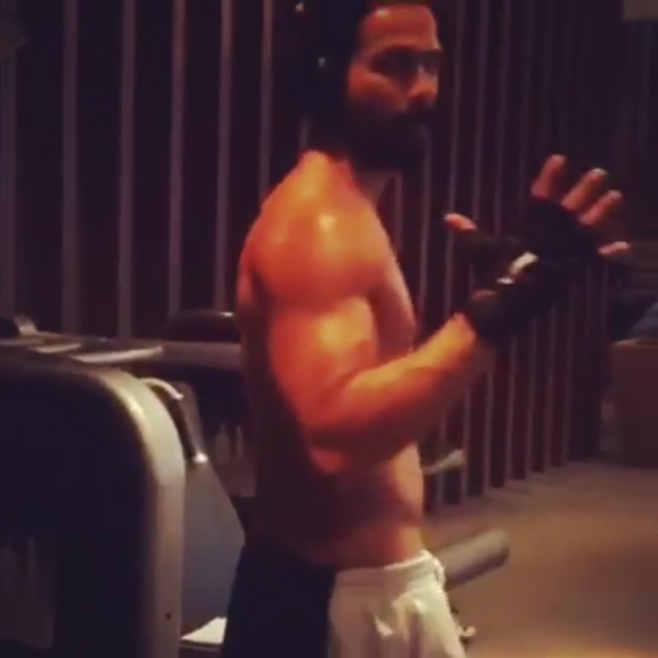 Shahid Kapoor poses for a picture in gym