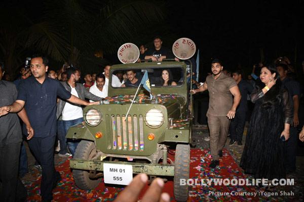 Shahrukh-Khan-Nawazuddin-Siddiqui-Sunny-Leone-(11)
