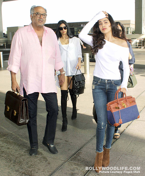 sridevi-with-family-(1)