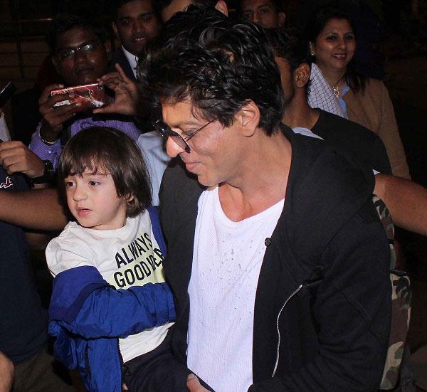 Abram-Khan-and-Shah-Rukh-same-way-of-dressing-1