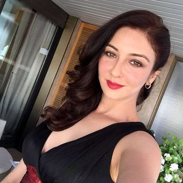 saumya-tandon-poses-for-a-selfie-at-cannes-201605-721985